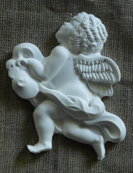aniol-w-chmurze